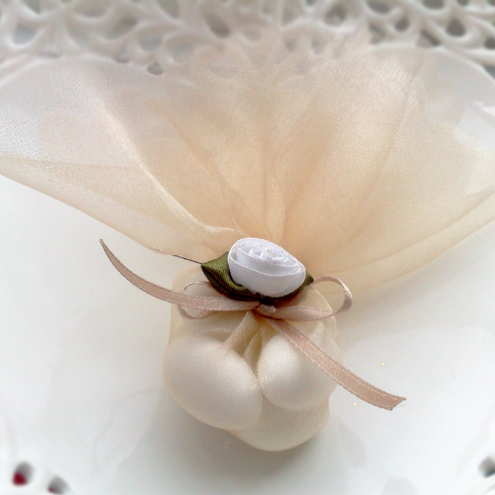 100 Traditional Style Wedding Favors
