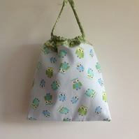 Pale Blue Owls Washbag