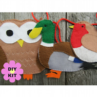 Sewing kit bird decor