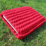10 inch netbook / mini laptop crocheted sleeve in red