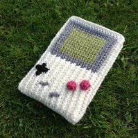 Crochet e-reader, Kindle cover in Gameboy classic design