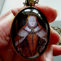 Elizabeth 1st 'Coronation' Pendant Necklace