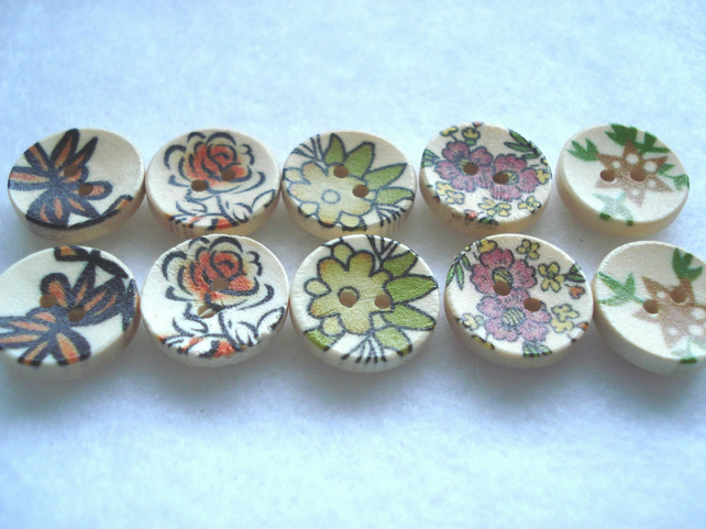 10 x 15mm Natural Wood Buttons With Mixed Patterns