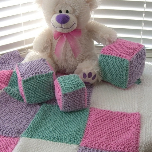 FREE DOLLS PRAM BLANKET KNITTING PATTERN   KNITTING PATTERN