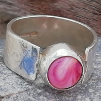 Handmade sterling silver ring with flamework pink cabochon by MidasTouch Jewels