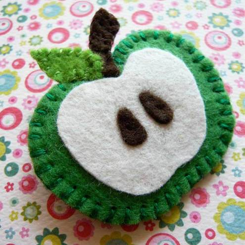 Groovy green, retro felt apple brooch