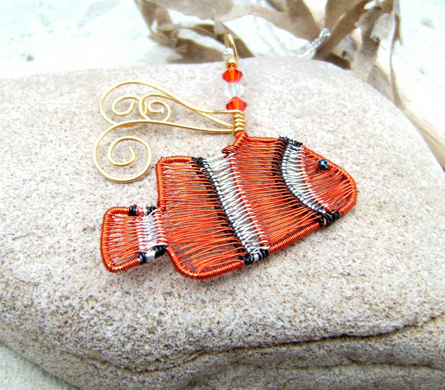 Clown Fish Wire Pendant Necklace