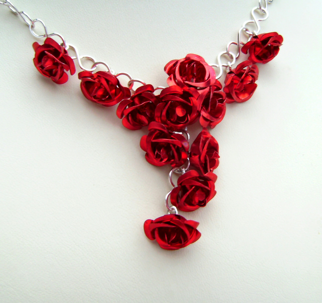 A Dozen Red Rose Flower Bouquet  Necklace