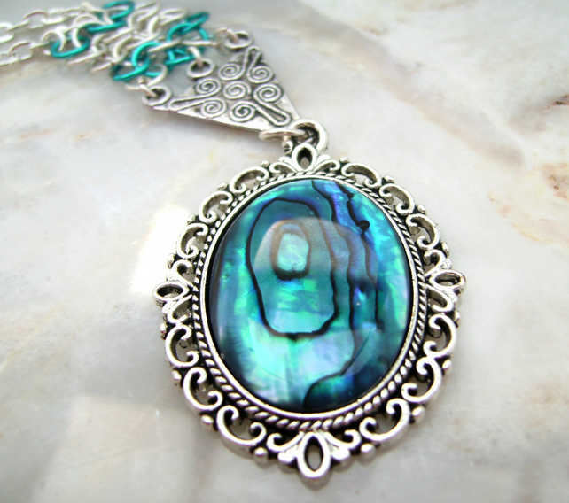 Paua Blue Shell Chainmail Pendant Necklace
