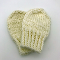 Hand Knitted mittens newborn off-white cream