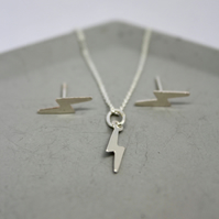 silver lightning bolt necklace, thunderbolt silver necklace, bowie necklace