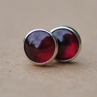 Handmade Garnet earrings, 5 mm