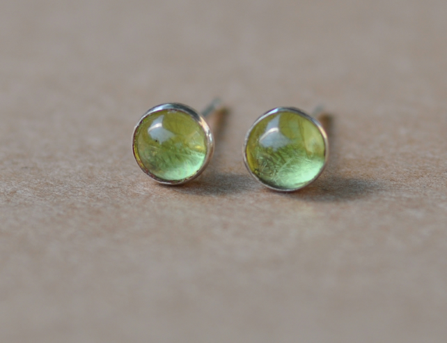 Handmade Peridot and sterling silver earrings 3mm