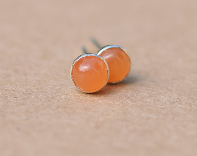 Handmade Pink moonstone earrings, 4 mm