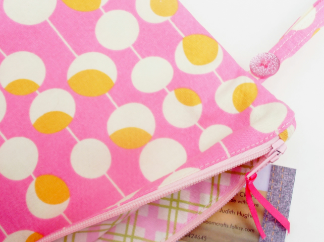 Make up bag, pink cosmetic purse, travel bag, bathroom bag, toiletries bag,