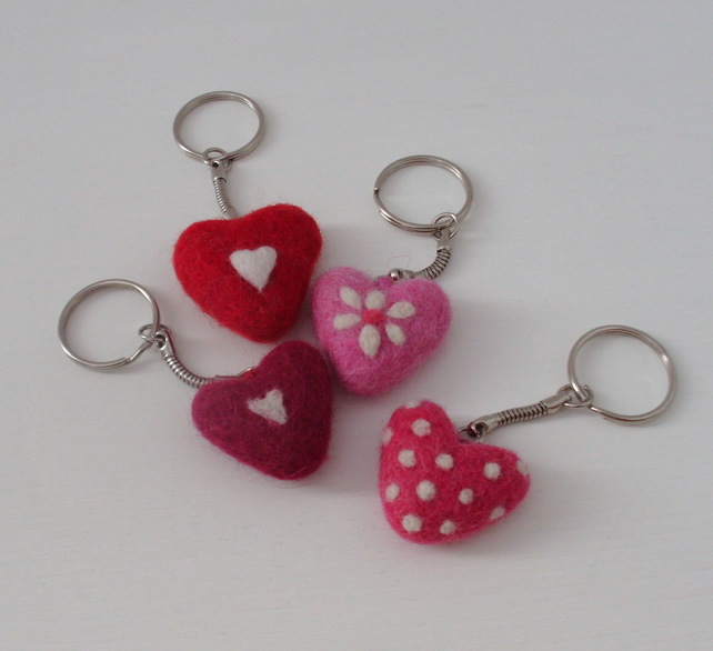 Heart keyring, needle felt heart,neddlefelted keyring, key chain