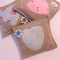HEART LAVENDER PILLOWS,LAVENDER SACHETS,WEDDING FAVORS,LINEN PILLOW