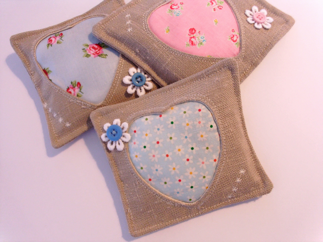 LAVENDER HEART PILLOWS,LAVENDER SACHETS,WEDDING FAVORS,LINEN PILLOW