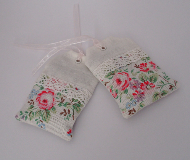Lavender bag,scent luggage label,pair of lavender sachets,vintage,wedding favors