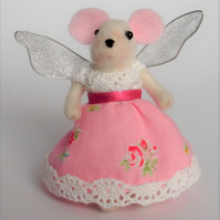 Needle felt mouse fairy,fairy mouse,Kawaii gift,OOAK figure,needle felt animal