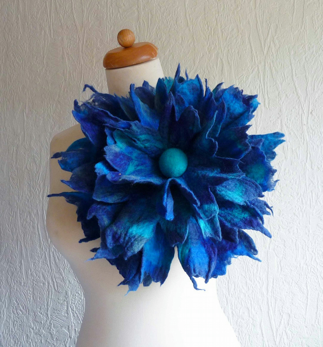 large felted flower brooch, corsage, scarf pin brooch, handmade, blue