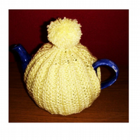 Bobble Top Tea Cosy Knitting Pattern in 3 sizes using Double Knit yarns