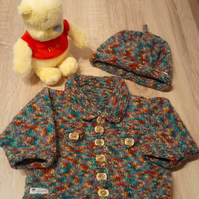 Knitted babywear jacket and hat set, unisex age 3-6 months.