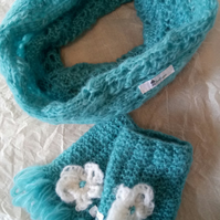 Knitted cowl and finger less gloves set. Adult Teenager one size