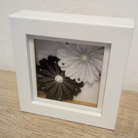 "Home decor flower box frame picture ""Black and white Flowers"""