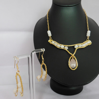 Rose Quartz and 9ct Gold Necklace and Earring Set Wire Work Pendant and Earrings