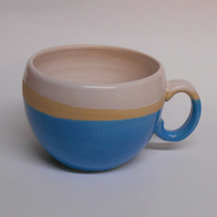 Mug Huggable Sky Blue. Ceramic.