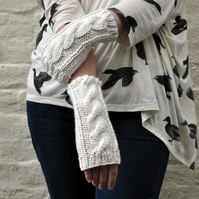 Luxury Cashmere and Merino Wool Cable Arm Warmers in Cream