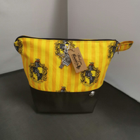 Set of 3 Harrypotter Hufflepuff Themed Project bags.
