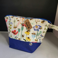 Small Cottage Garden Theme project bags & Drop spindle bags.