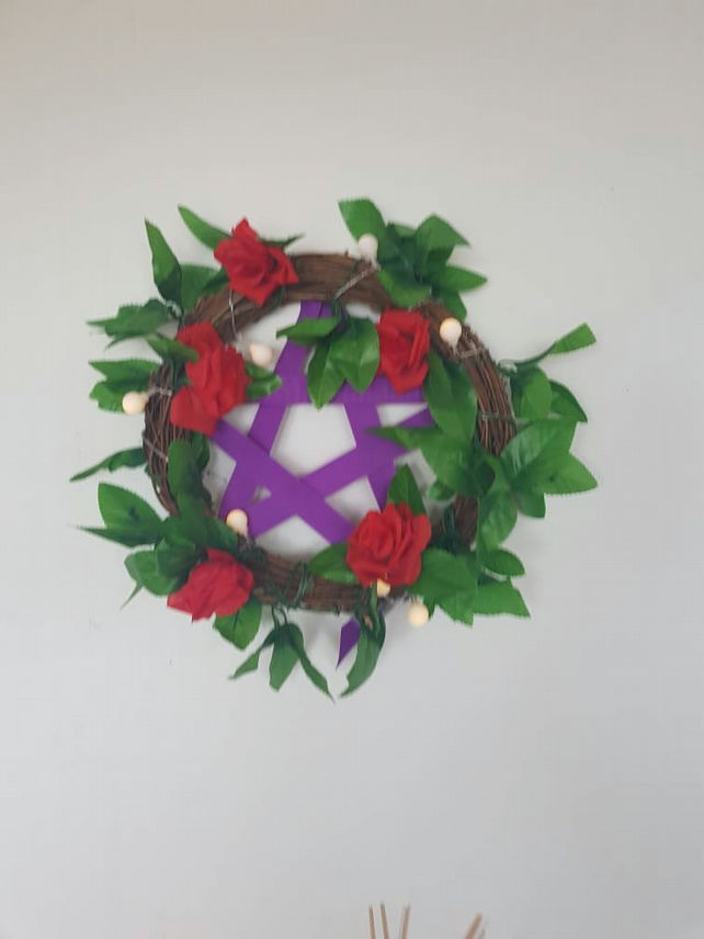 Yule Pentagram 30cm Wicker Door WreathWall Decor with lights.