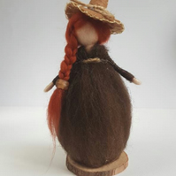 Needle felt witch, Harvest witch, Halloween, Autumn, Fall decoration, witch, woo