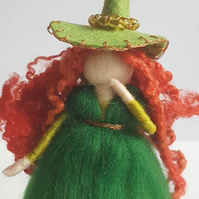 Green Witch, Red head, needle felted, Waldorf inspired, Halloween accessories, F
