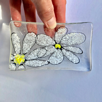 Fused Glass Daisy Sketch Dish, Fused Glass Dish, Glass Ring Dish, Jewellery dish
