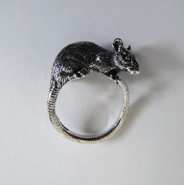 Rat ring in sterling silver