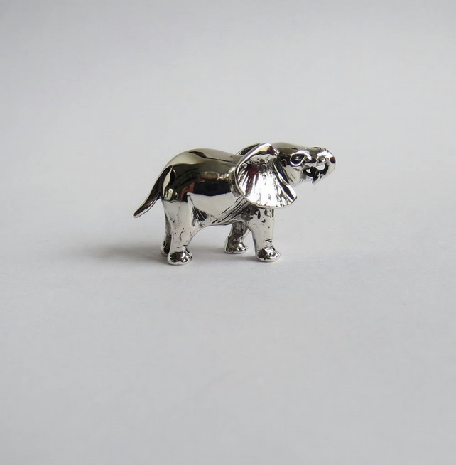 Silver elephant figurine, medium
