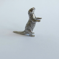Silver otter figurine, standing