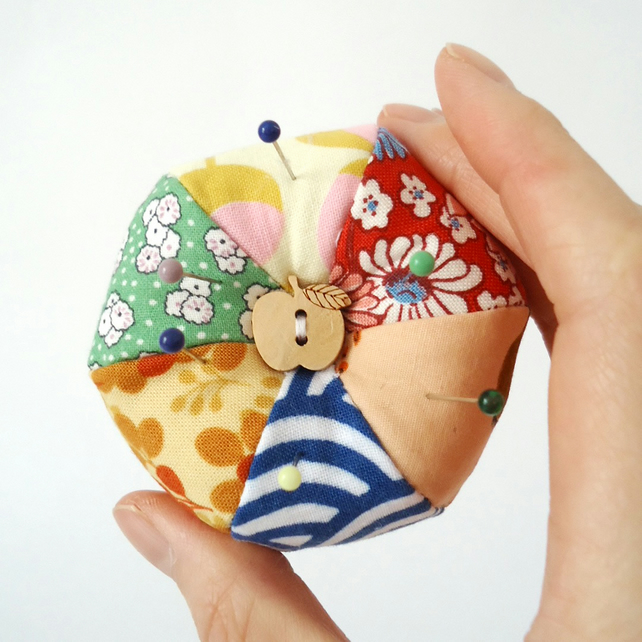 Apple Button Pincushion