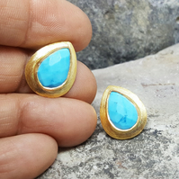 Teardrop Turquoise Gold Studs. Women's Gold Earrings. Studs Gemstone. Gift
