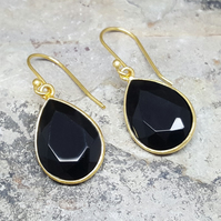 Black Onyx Gold Earrings. Dangle Earrings. InkaCreations. Freda. GOTA de ORO. Gi