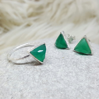 SET OF 2. Bulk Deal. Pay Less!, Silver Arrow Ring and Stud Earrings Green Onyx.