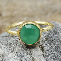 Ring Gold Gemstone Green Onyx. InkaCreations. Round Stone. MAY BIRTHSTONE. Gift