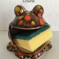 Frog sponge  holder, kitchen decor, scrubby holder soap holder housewarming gift