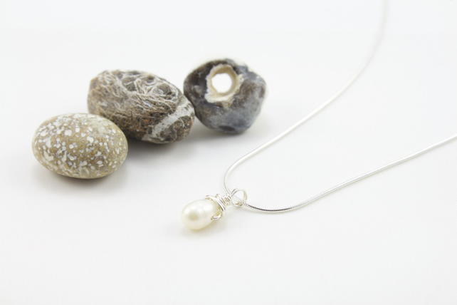 Freshwater Baroque White Pearl and Silver Pendant