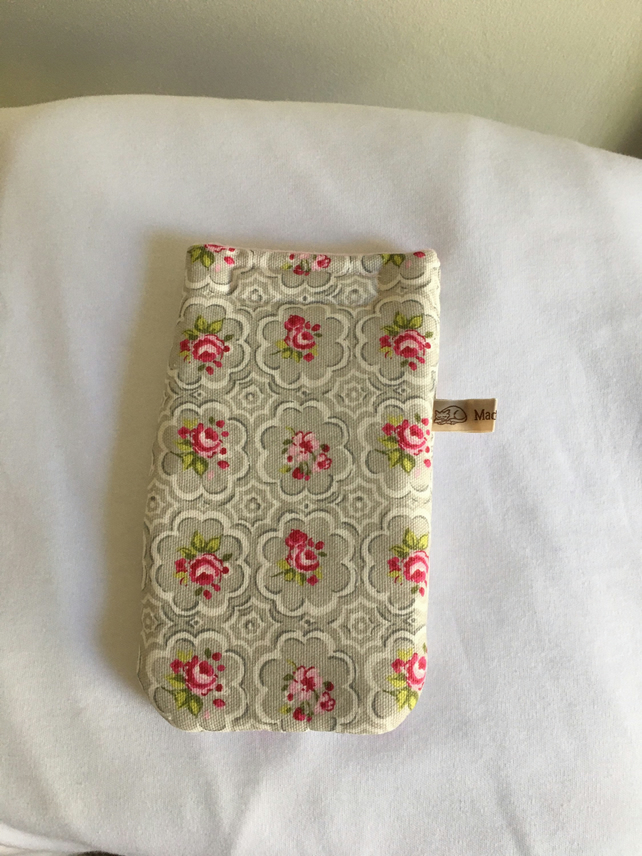 Floral padded glasses case