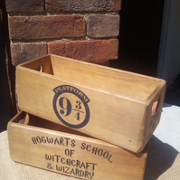 Lovely vintage style Hogwarts School & Platform 9 3 4 wooden storage box.